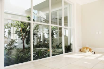 Saddlebrook Estate: classic Conservatory by Vision Tribe