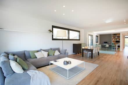 Sala de estar: Salones de estilo escandinavo de Laia Ubia Studio
