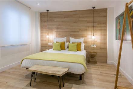 Loft en Málaga Centro Histórico : Dormitorios de estilo minimalista de Hansen Properties