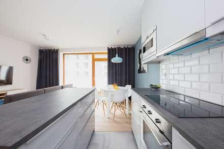 Kitchen units by ZIZI STUDIO Magdalena Latos