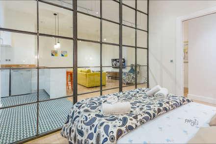 Fotografía de interiores,  Málaga / Costa Del Sol.  ---  Real Estate photography - Málaga / Costa Del Sol: Dormitorios de estilo industrial de Hansen Properties
