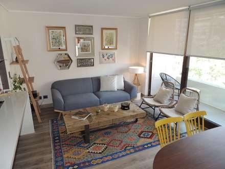 Ruang Keluarga by Kaa Interior