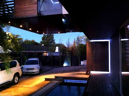 House Bloemfontein: industrial Houses by FAME Projects