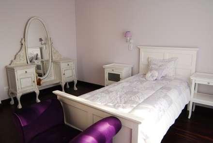 Dormitorios infantiles de estilo clásico por CIBA ARQUITECTURA