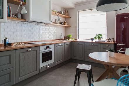КВАРТИРА В СТИЛЕ ФЬЮЖН. : Кухни в . Автор – 'Студия дизайна Марины Кутеповой'
