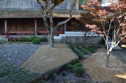 Jardim das instalações da Niepoort em Vila Nova de Gaia: Jardins asiáticos por Labirinto - jardins
