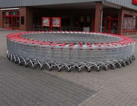Sorveglianza per supermercati e centri commerciali: Centri commerciali in stile  di Bor Sorveglianza attiva