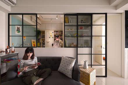 Salas / recibidores de estilo escandinavo por 一葉藍朵設計家飾所 A Lentil Design