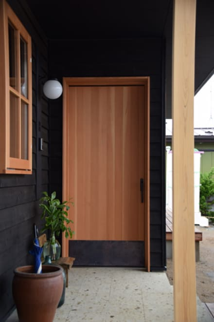 Sliding doors by さくま建築設計事務所