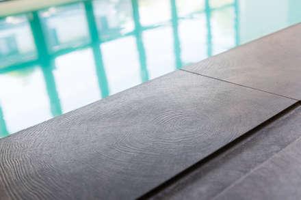 Woonhuis Utrecht: modern Zwembad door DWB2C