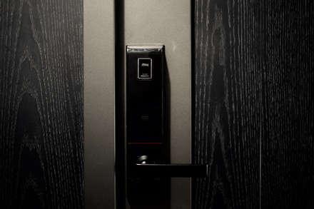Inside doors by 日常鉄件製作所