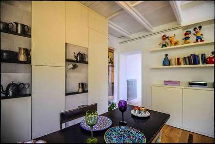 Casa Brio: Sala da pranzo in stile in stile Eclettico di Arabella Rocca Architettura e Design