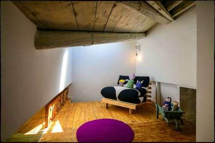 Casa Brio: Studio in stile in stile Eclettico di Arabella Rocca Architettura e Design
