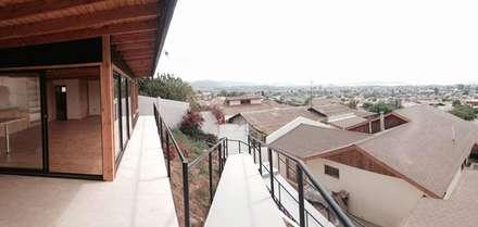 ESCALERA DE ACCESO: Escaleras de estilo  por arquiroots