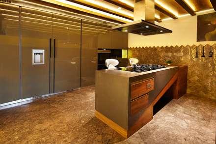 Wooden Modular Kitchen: country Kitchen by METRIKA MODULER SOLUTIONS PVT. LTD.