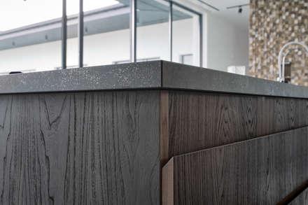 Дизайн-проект дома в стиле контемпорари площадью 330 кв.м. Подмосковье: Кухонные блоки в . Автор – Владимир Маркин