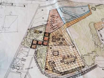 Croquis inicial del proyecto de áreas exteriores: Piscinas de estilo moderno por OMAR SEIJAS, ARQUITECTO