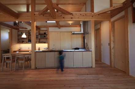 Muebles de cocinas de estilo  por 田村建築設計工房