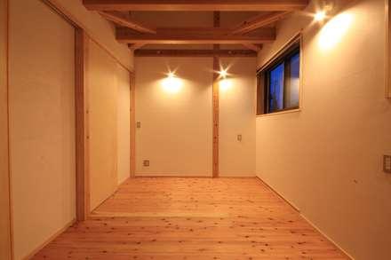غرفة نوم مراهقين  تنفيذ 田村建築設計工房