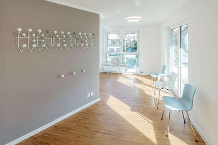 Wartebereich:  Praxen von Steinmetz & Loeckle Part GmbB Architekten - Innenarchitekt