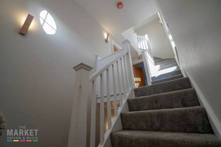 REAR EXTENSION AND LOFT CONVERSION WITH FULL REFURBISHMENT IN WEST LONDON:  Stairs by The Market Design & Build