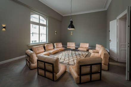Wiener Couch :  Praxen von KiTO.photography