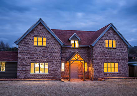 Journey's End, Salisbury: country Houses by D&N Construction