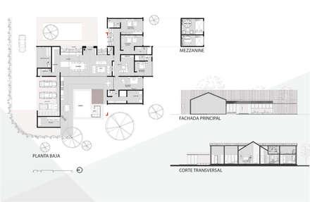 Casas unifamilares de estilo  de Grupo PAAR Arquitectos