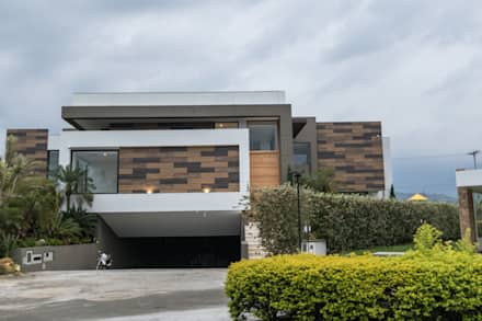 Detached home by astratto