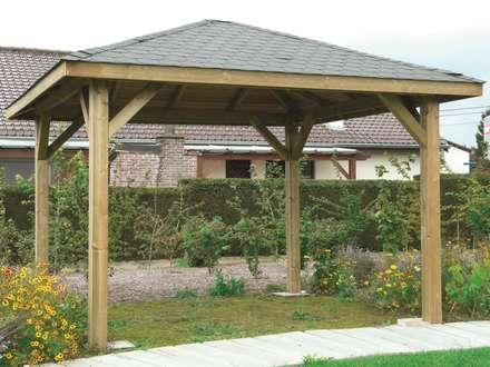 Gazebo KIOSK in legno impregnato 449 x 347 cm con tetto in legno: Giardino in stile in stile Classico di ONLYWOOD