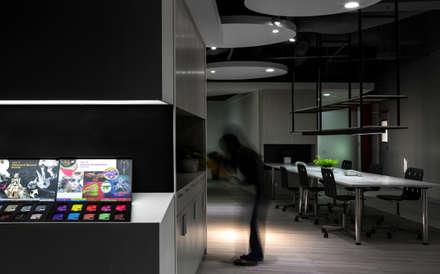 中瀛科技實驗室  辦公室設計:  商業空間 by 成寰設計有限公司