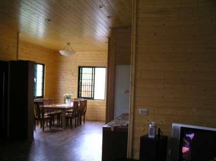 日式木屋別墅餐廳內裝:  餐廳 by 地興木屋有限公司