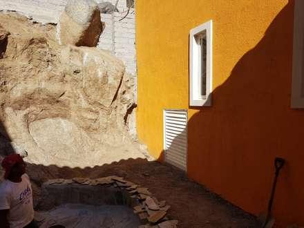 Jardins de pedras  por ANA MARIA CUEVAS MORENO