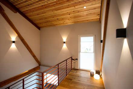 Corridor & hallway by Klaus Geyer Elektrotechnik