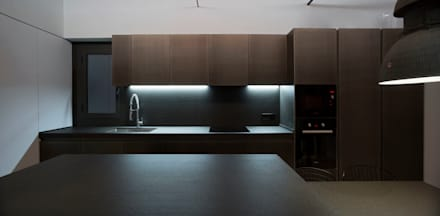Built-in kitchens by costa+dos