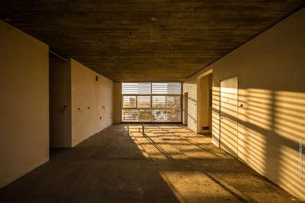: Casas de estilo moderno por Design Group Latinamerica