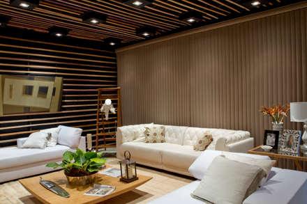 classic Living room by ADO arquitetura