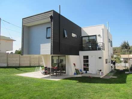 獨棟房 by Lau Arquitectos