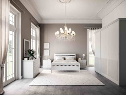 Lo stile classico in camera da letto: Camera da letto in stile in stile Classico di Ferrari Arredo & Design