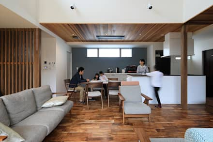 リビング: ㈱ライフ建築設計事務所が手掛けたリビングです。