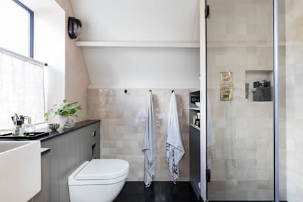 East Dulwich Industrial Conversion: industrial Bathroom by Imperfect Interiors