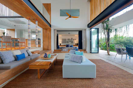 Seascape Living Room : tropical Media room by Word of Mouth House