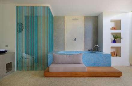 Seascape Bathroom : tropical Bathroom by Word of Mouth House