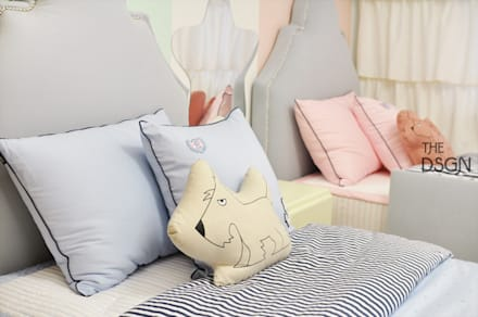 Teen bedroom by 더디자인 the dsgn