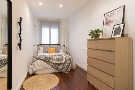 Dormitorio: Dormitorios de estilo escandinavo de Become a Home
