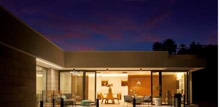 exterior: Casas de estilo ecléctico de TRAZOS D´INTERIORS
