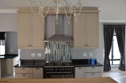 مطبخ ذو قطع مدمجة تنفيذ JFS Interiors