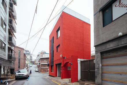 BLANK FACTORY: AAPA건축사사무소의  다가구 주택