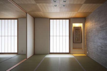 غرفة الميديا تنفيذ ARCHIXXX眞野サトル建築デザイン室