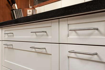 Cocinas equipadas de estilo  por Bau- und Möbelschreinerei Mihm GmbH & Co. KG
